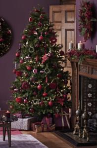 xmas tree+fireplace